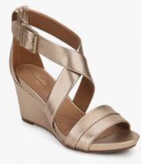 cc9d9690dab Clarks Acina Newport Golden Metallic Wedges for women - Get stylish ...