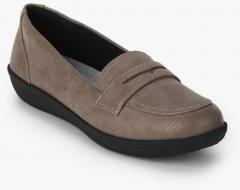 6d491d2dd5031 Clarks Ayla Form Taupe Loafers women