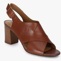 133dc7cb953 Clarks Deva Janie Buckle Brown Sandals for women - Get stylish shoes for  Every Women Online in India 2019