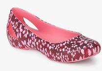 4da29c136c2376 Crocs Laura Graphic Maroon Floral Belly Shoes for women - Get ...